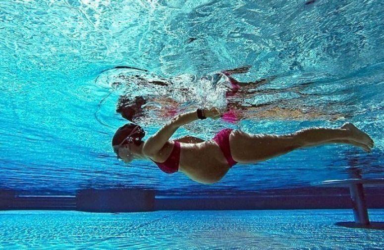 Plivanje je idealna aktivnost za trudnice