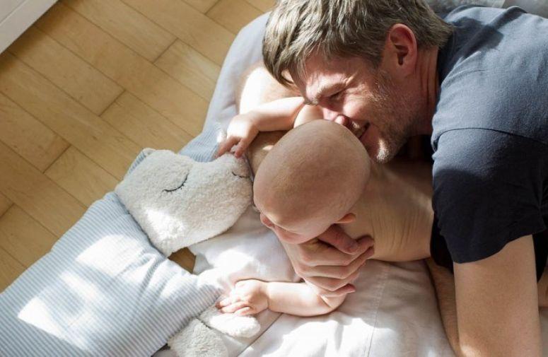 Tate na porodiljskom odsustvu